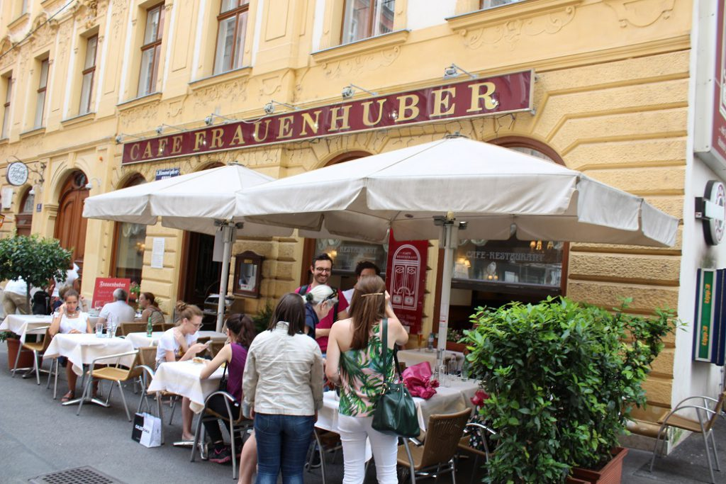 A sidewalk restaurant in central Vienna