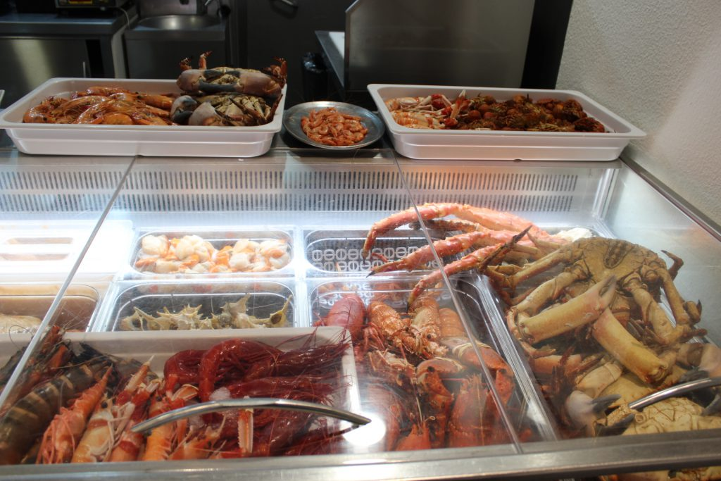 Shellfish on display at Mar do Inferno restaurant