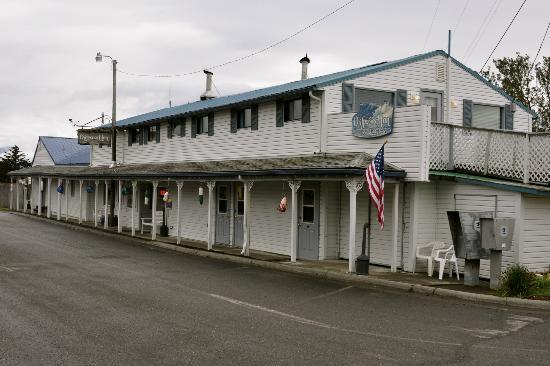 The Driftwood Inn in Homer