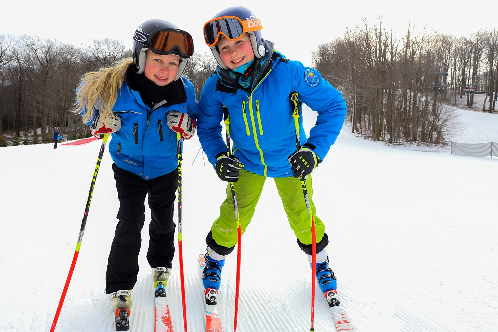 Kids skiing at Hidden Valley in PA