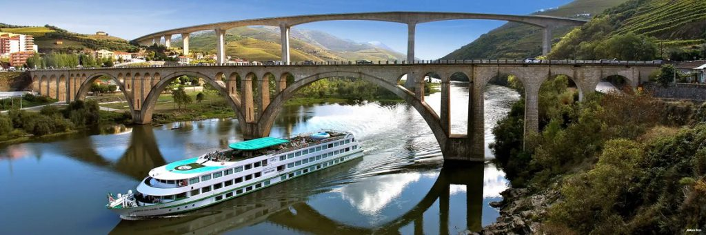 CroisiEurope Vasco De Gama on Duoro River in Portugal