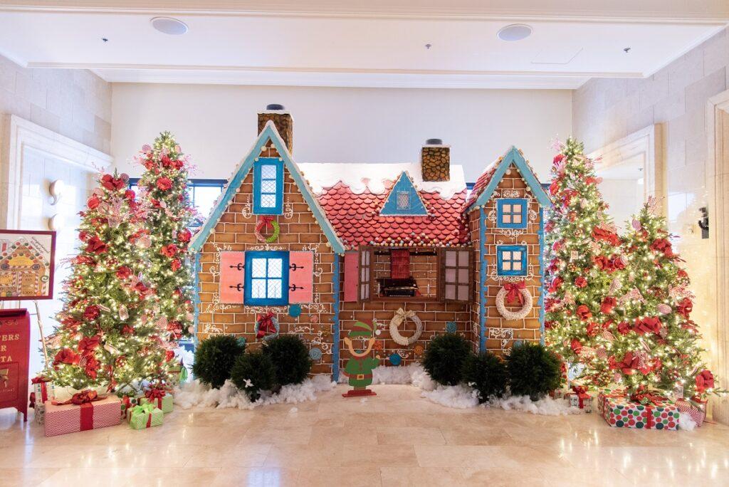 "Best Gingerbread Displays."" Grande Lakes Orlando"