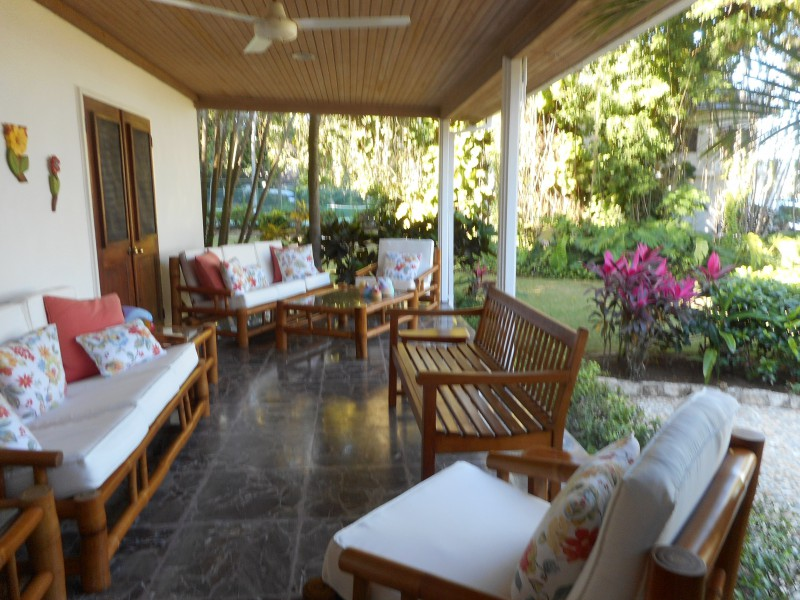 Vacationing like a 1 percenter in a staffed villa in Jamaica