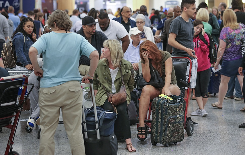 Airlines under pressure to seat families together