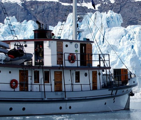 A small ship cruise in Glacier Bay with AdventureSmith