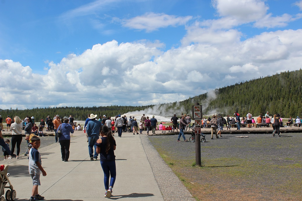 Boardwalk filling up at Old Faithful in Yellowstone NP