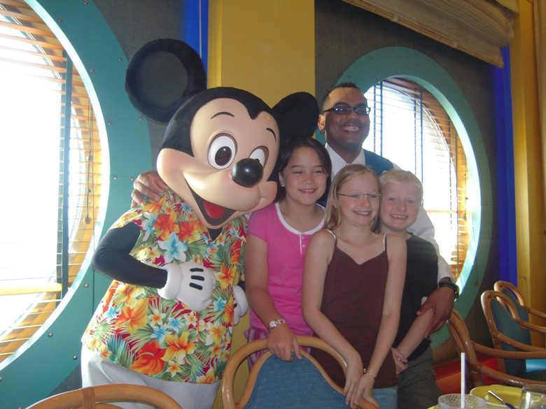 10 TIPS FOR FIRST TRIP TO DISNEY FROM A DISNEY EXPERT