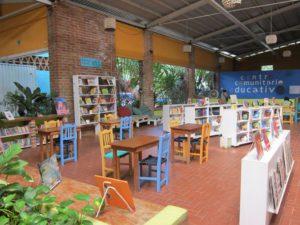 Entre Amigos Library