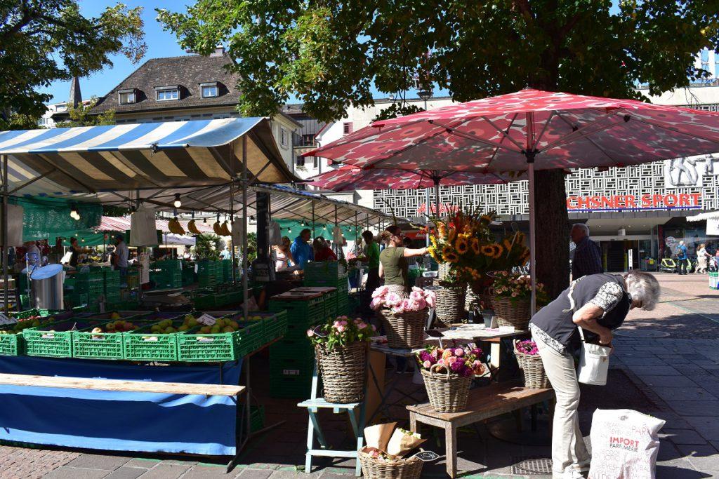 Farmers market near Swissotel Zurich