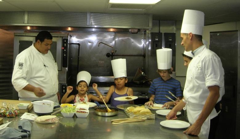 Kids cooking at AZ Biltmore