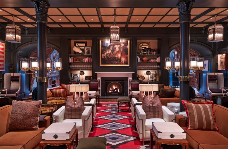 Living room at Hotel Jerome