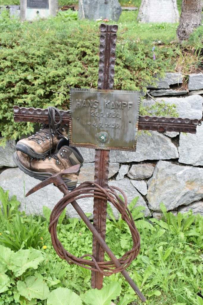 One of the graves in the mountaineers cemetery in Zermatt