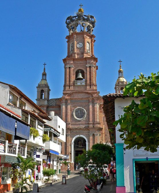 With strong dollar, beach vacation in Puerto Vallarta is a good bet