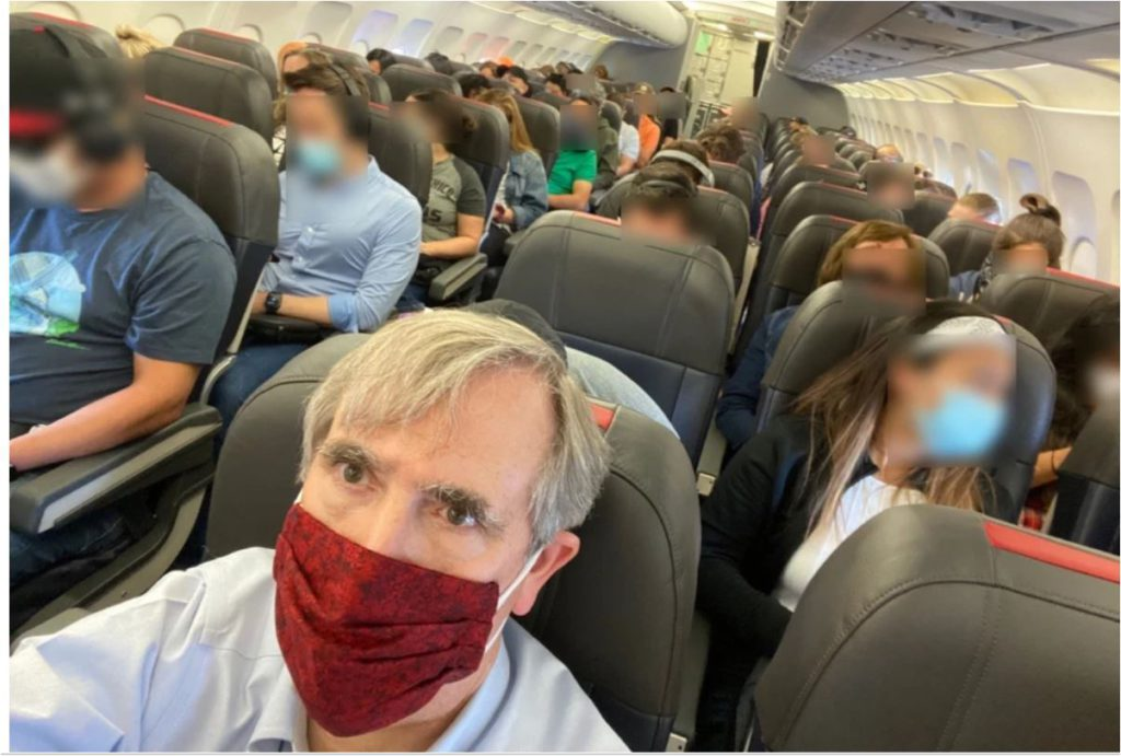 Photo tweeted by U.S. Senator Jeff Merkley on recent flight