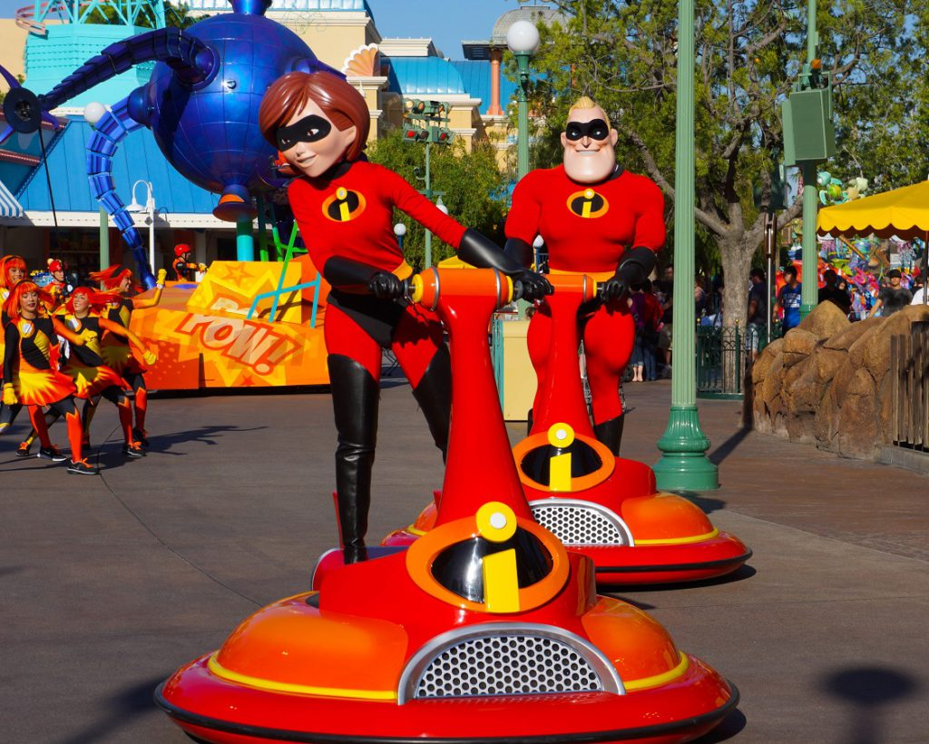 Pixar animated characters from The Incredibles are featured in Disneyland Parade