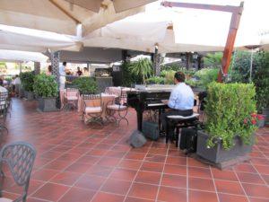 Rooftop bar at Grand Hotel de la Minerve in Rome