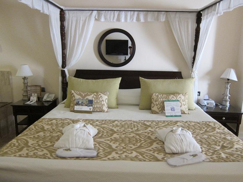 Guest room at the Grand Palladium Bavaro