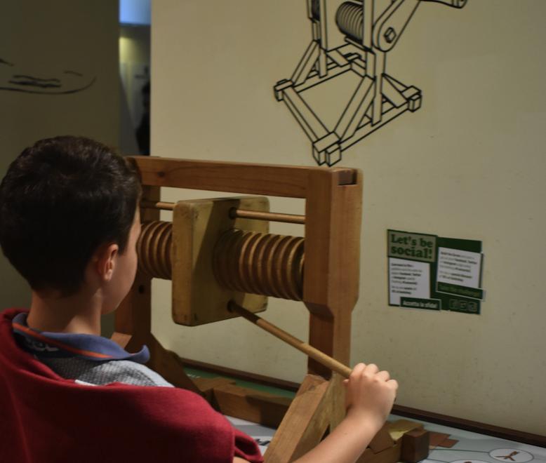 Boy works on da Vinci machine in the 3D Workshop at the da Vinci Museum