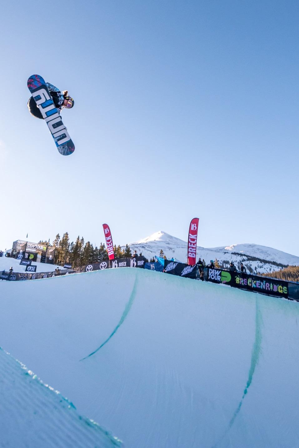 Snowboarder Arielle Gold