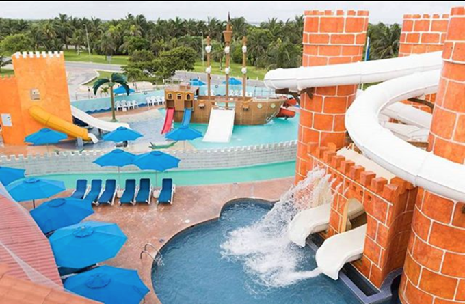 Swap your snow shovel for water goggles for a fun-filled afternoon at SeaDust's family pool