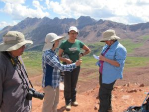 Talking with the Zhang family at the top of Maroon Pass