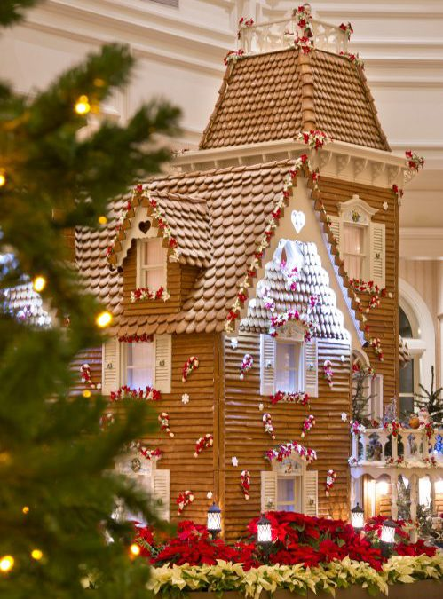 Gawking at giant gingerbread creations