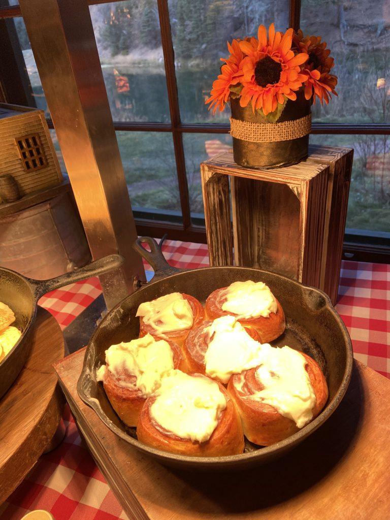 Yummy cinammon rolls - Ranch at Emerald Valley