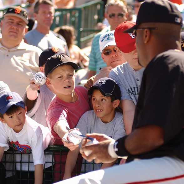 Collecting autographs during Spring Training at Scottsdale Stadium. (Courtesy of Experience Scottsdale)