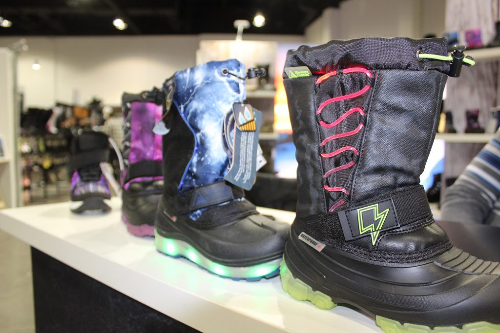 Kids snow boots from Absolute Canada have colorful lights for dark winter nights