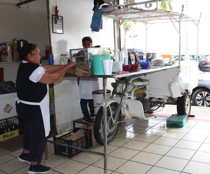 Dona Mary and her Matzalan street food