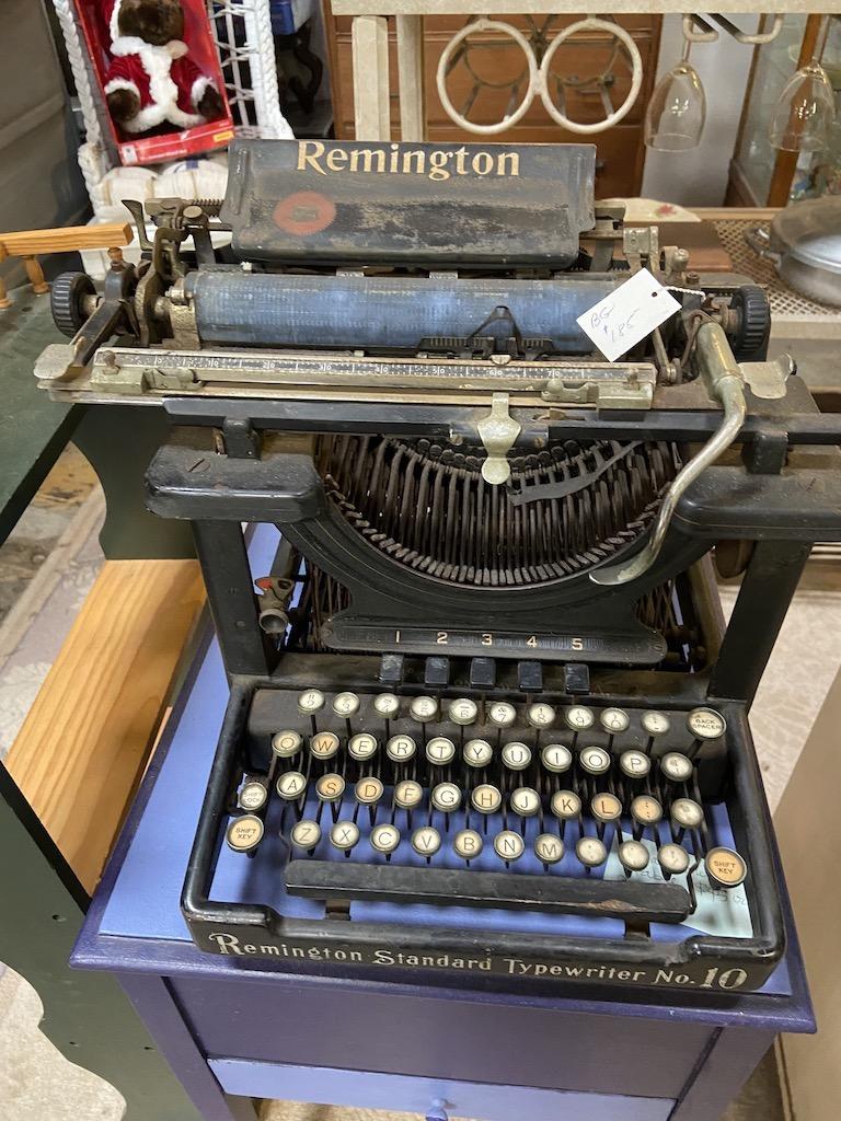 Typewriter at Modern Antiquarium in Healdsburg
